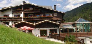 Vše Vám poskytne Hotel  Höhlenstein v Juns/Tux (Údolí Zillertal).